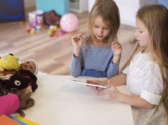 rozwój dziecka i jego poczucia wlasnej wartosci-min